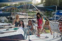 Аренда красивейшей парусной яхты 11м (для 2-8 человек)