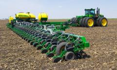 Crops by seeders of sunflower, corn, soy