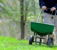 Fertilizing of lawns