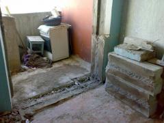 Резка подоконного блока(выход на балкон).Резка проемов,штроб в Харькове
