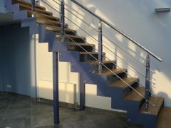 Изготовление и монтаж лестниц на тетивах