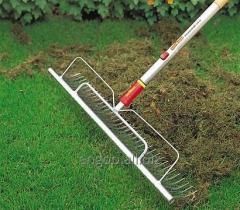 Вычесывание газона (вертикуляция)