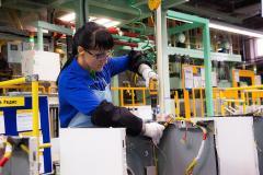 Рабочие на завод SAMSUNG