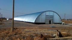 Construction of beskarkasny hangars