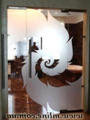 Декорирование стекла с помощью пескоструйной обработки