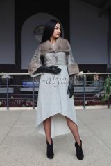 Пальто из бежевой альпаки с кожей питона и норкой