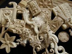Изготовление резного мебельного декора из дерева