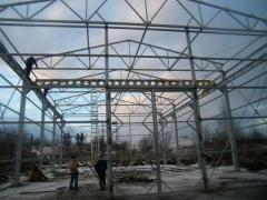 格納庫の建設