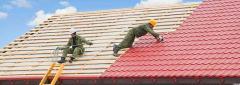 Демонтаж деревянного сплошного покрытия крыши