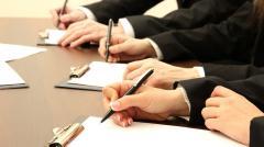 Консультации по банковским договорам и документам,