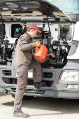 Замена масла грузовых автомобилей