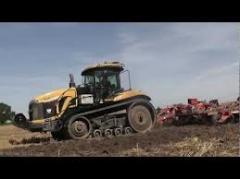 Обработка сельхозземель:  Caterpillar