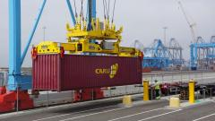 Forwarding services in ports