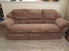 Перетяжка дивана с тканевой обивкой