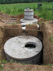 Монтаж септика из бетонных колец