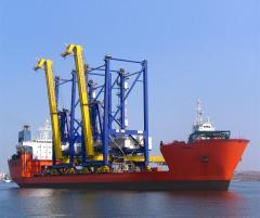 Передислокация портовой техники морским судном