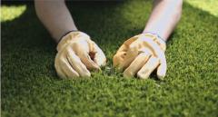 Работы по укладке искуственной травы