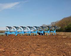 Вспашка земли, культивация почвы, услуги посева.
