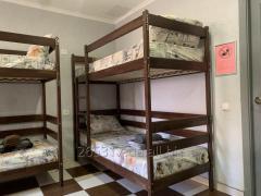 Койко- место в общей спальне для мужчин и женщин!