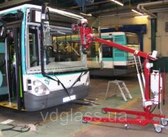 Замена лобового стекла на автобусе Neoplan 122 верхнее в Никополе, Киеве, Днепре