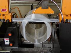 Cutting of pipes on bandsaw Everising machines.
