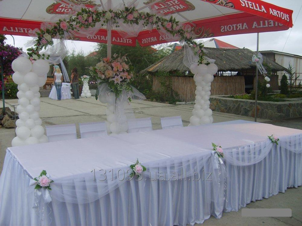 dekorirovanie_svadebnogo_stola