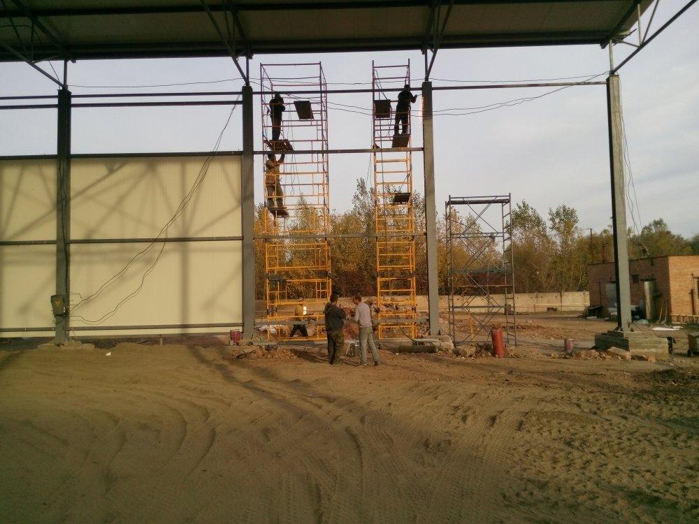 Montering av metalliske konstruksjoner