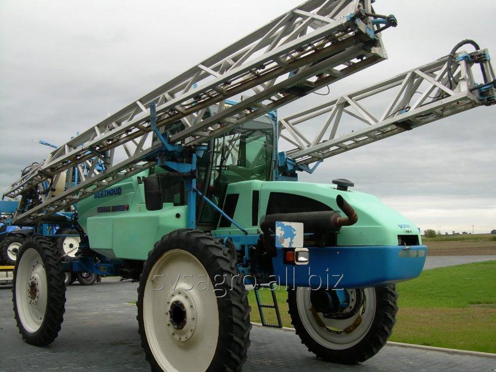 uslugi-po-vneseniyu-pesticidov