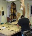 Изготовление, ремонт, окраска, замена деталей  из кожи  и меха в одежде мужской и женской, ремонт кожаной куртки в салоне-ателье Горностай, Киев