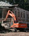 Демонтаж сооружений в условиях плотной городской застройки