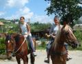 Прогулки на лошадях и гуцульских повозках