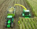 Сбор травы и уборка кукурузы на силос